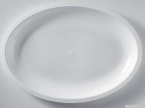 Piatti plastica ovali bianchi cm 31 5 gold plast for Plastica riciclata prezzo